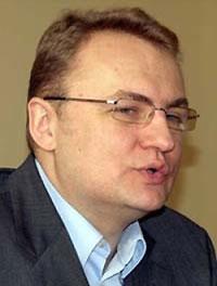 """Мэр Львова назвал песни ОУН-УПА """"какой-то попсой"""" и показал горожанам средний палец"""