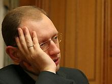 Заседание президентского конституционного совета отменили, потому что Яценюку стало плохо