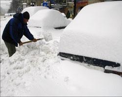 Из-за мощных снегопадов в Румынии погибли двое людей