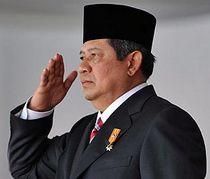 Президент Индонезии пишет песни о любви и религии