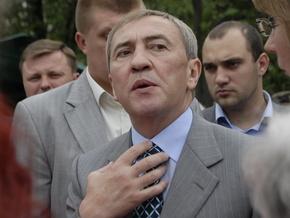 Журналисты уличили Черновецкого в нарушении ПДД (видео)
