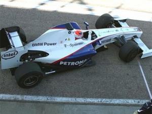 Новый болид BMW проехал первые круги по трассе
