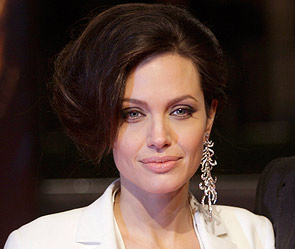 Джоли кардинально сменила имидж