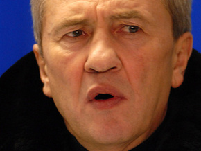 Секретариат Президента пригрозил Черновецкому отставкой