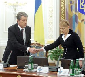 Ющенко требует от Тимошенко дополнений к газовым контрактам