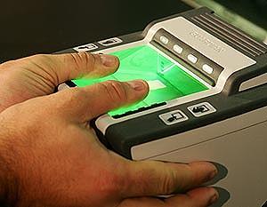 Европа ввела визы с отпечатками пальцев