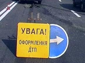 В Полтавской области Mercedes насмерть сбил троих человек на скутере