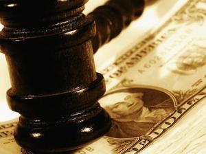 44 банка купили у НБУ доллары на аукционе для погашения кредитов