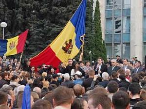 В центре Кишинева возобновился антиправительственный митинг