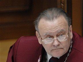 КС начал рассмотрение дела о дате выборов Президента