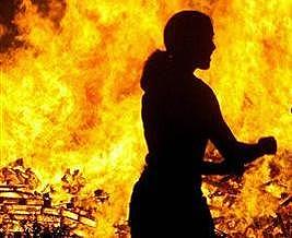 В Днепропетровске в камышах сгорела женщина