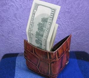 Наличный доллар продают за 8,05 гривны
