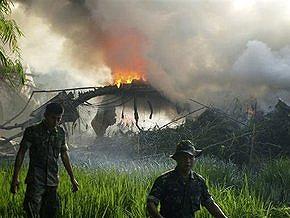 Жертвами авиакатастрофы в Индонезии стали 79 человек