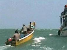Сомалийские пираты напали на очередное судно