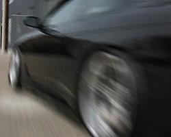 Машина потеряла 4 колеса одновременно на дороге в Швейцарии