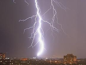 В России студентка пережила клиническую смерть после удара молнии