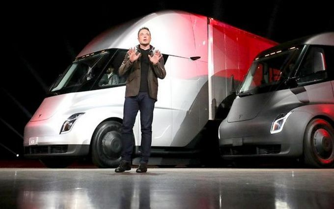 Илон Маск представил концептуальный автомобиль автобуса для подземных тоннелей