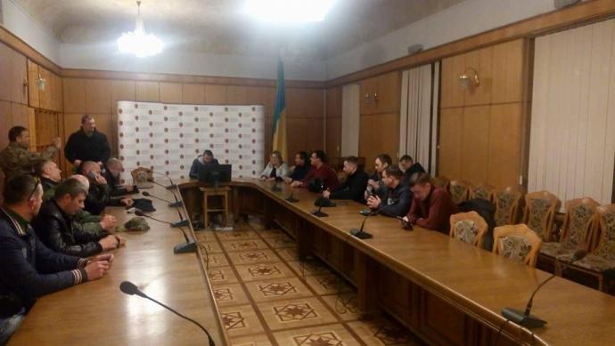 По Украине прокатились мощные акции за блокаду Донбасса: появились фото (3)