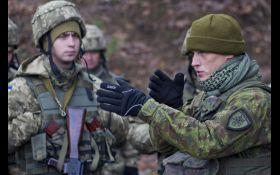 В Украину из Канады прибыли десятки военных инструкторов