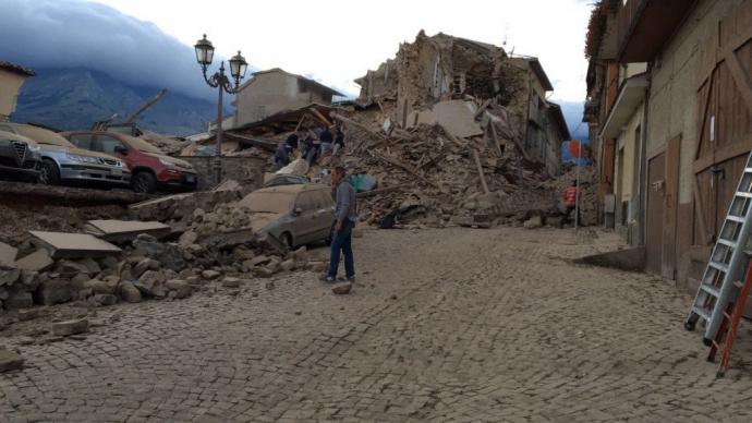 Землетрус в Італії: з'явилися нові подробиці і драматичні фото (2)