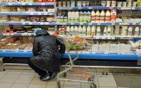 Две трети жителей России начали экономить на продуктах