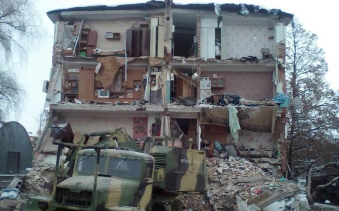 Обрушение дома в Чернигове: появились новые драматичные фото и видео