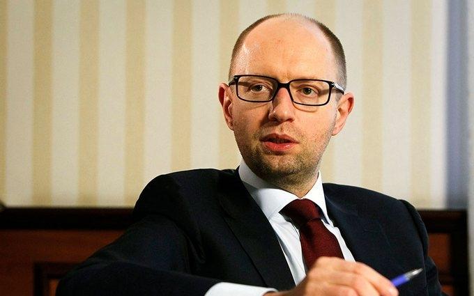 Яценюк назвал три варианта выхода из кризиса и рассказал о желаемом для себя