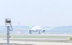 У Китаї провели тестові польоти авіалайнера власного виробництва: з'явилися фото та  відео