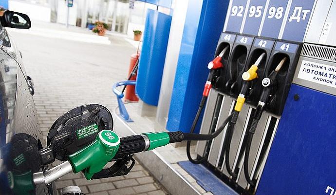 Київські АЗС почали зменшувати ціну на бензин - Міненерго