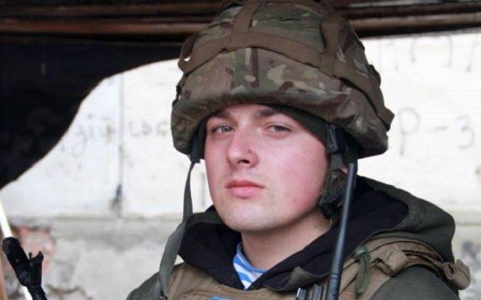 Молодой офицер-десантник уничтожил БМП боевиков