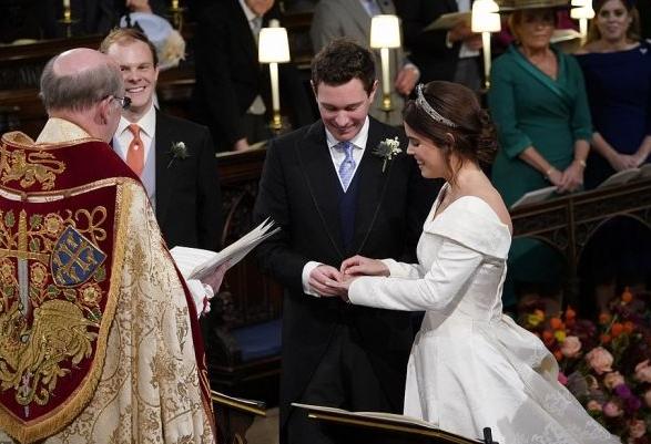 Онучка королеви Єлизавети ІІ вийшла заміж - найяскравіші фото (4)
