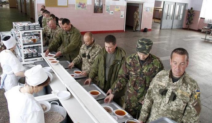 Министр обороны предложил проверить новые сухпайки на офицерах Генштаба и Минобороны
