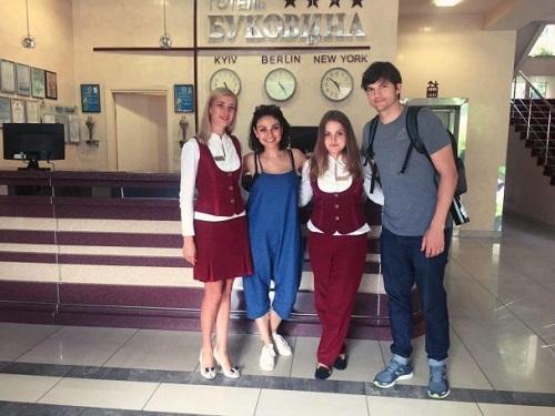 """""""Вся эта история была унизительной для нас"""", - Мила Кунис о поездке в Украину (1)"""