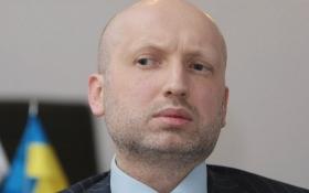 Турчинов закликав готуватися до хвилі переселенців з Росії