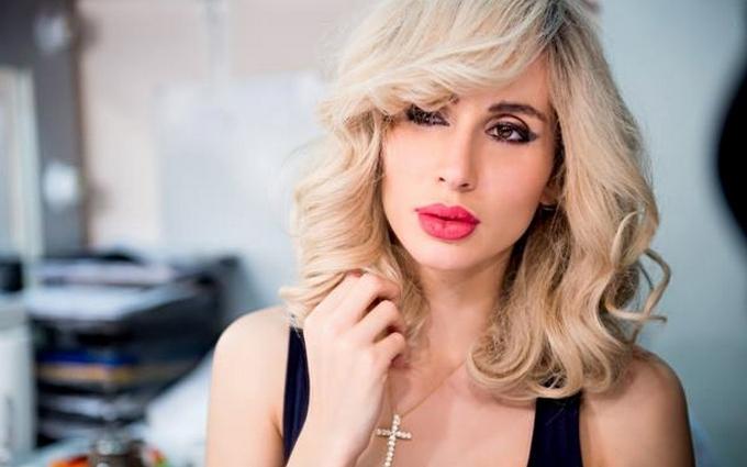 Українська співачка повторила трюк скандальної балерини: опубліковано фото