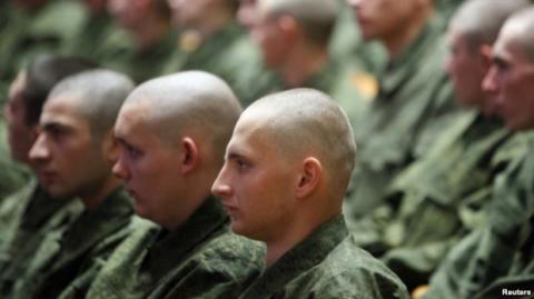У РФ на службу в армію призвуть близько тисячі кримчан