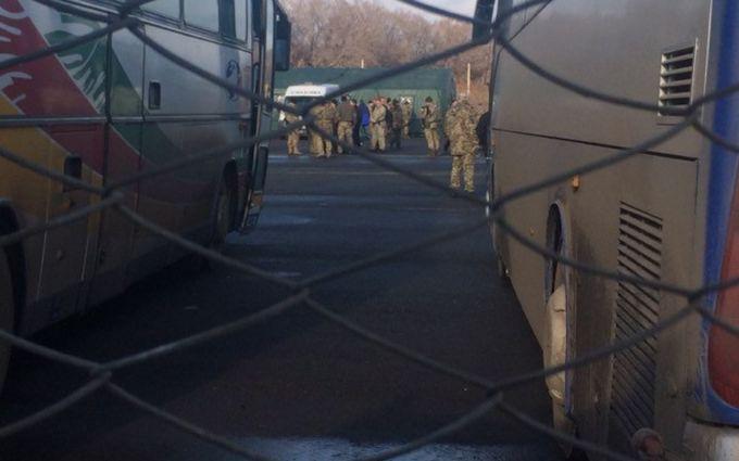 На Донбассе проходит обмен пленными: онлайн-трансляция событий