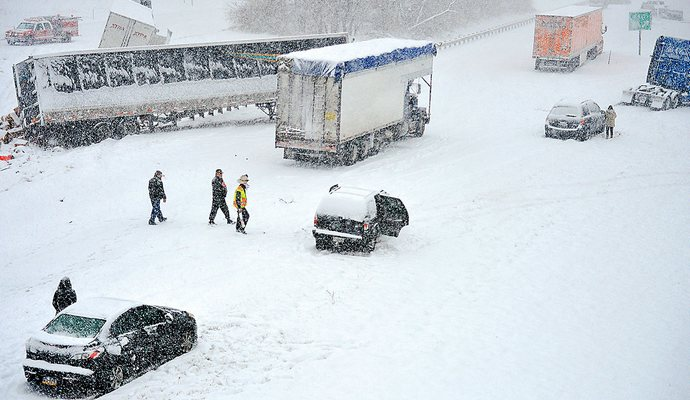 Количество жертв снежной бури в США растет