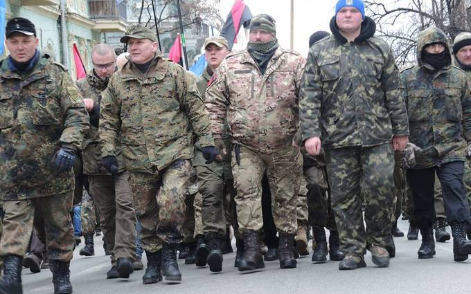 Атаки на банки и офис Ахметова в Киеве: появились новые фото