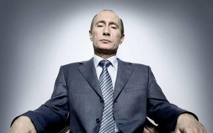 Слова Путина в России уже отливают в граните: опубликовано фото