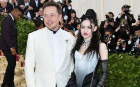 Илон Маск рассекретил новую возлюбленную: опубликованы фото и видео