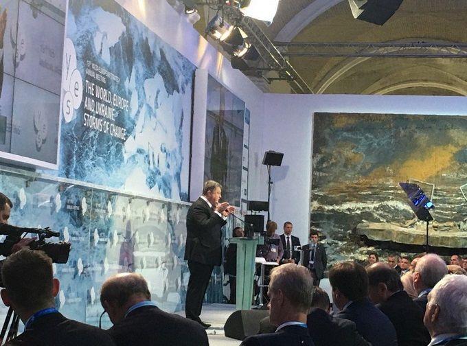 Не гроші і не зброя: Порошенко розповів, чого хоче від Європи