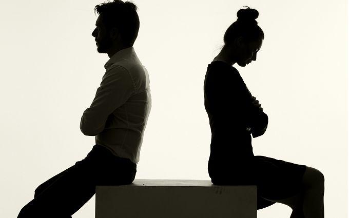 ТОП-10 таємних ознак того, що ви нещасні в стосунках