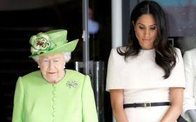 Забула королівські правила: Меган Маркл осоромилася в першій поїздці з Єлизаветою II