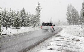 Україну продовжує засипати снігом: яка ситуація на дорогах