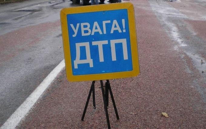 У Києві Камаз влетів в маршрутку: з'явилися фото і відео