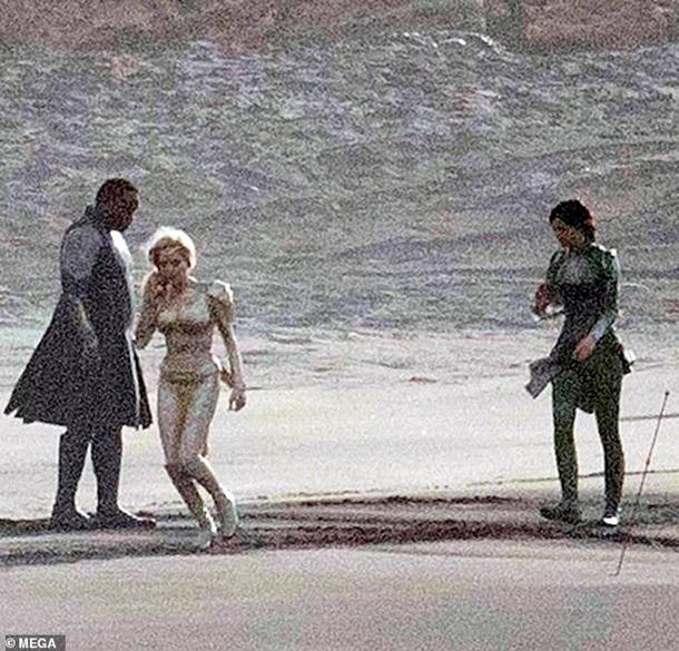 Опубліковані перші фото Анджеліни Джолі з нового фільму Marvel - мережа у захваті (3)
