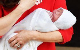 Первая фотосессия: Кейт Миддлтон показала нежные фото новорожденного сына и принцессы Шарлотты