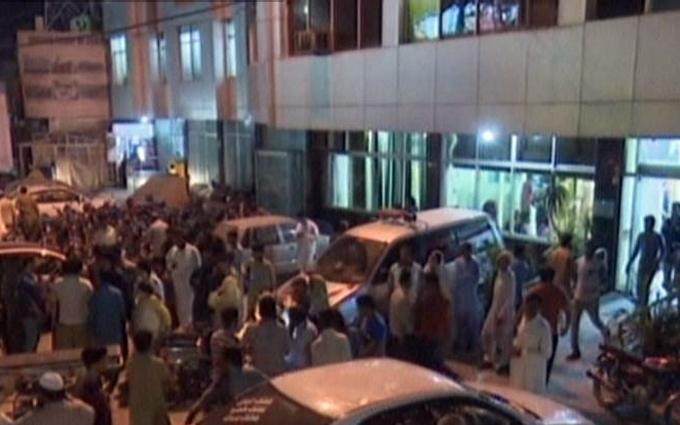 Масштабный теракт в Пакистане: погибли 65 человек, более 280 раненых