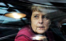 """""""Меркель - среди жертв"""": в Германии сообщили тревожные новости"""